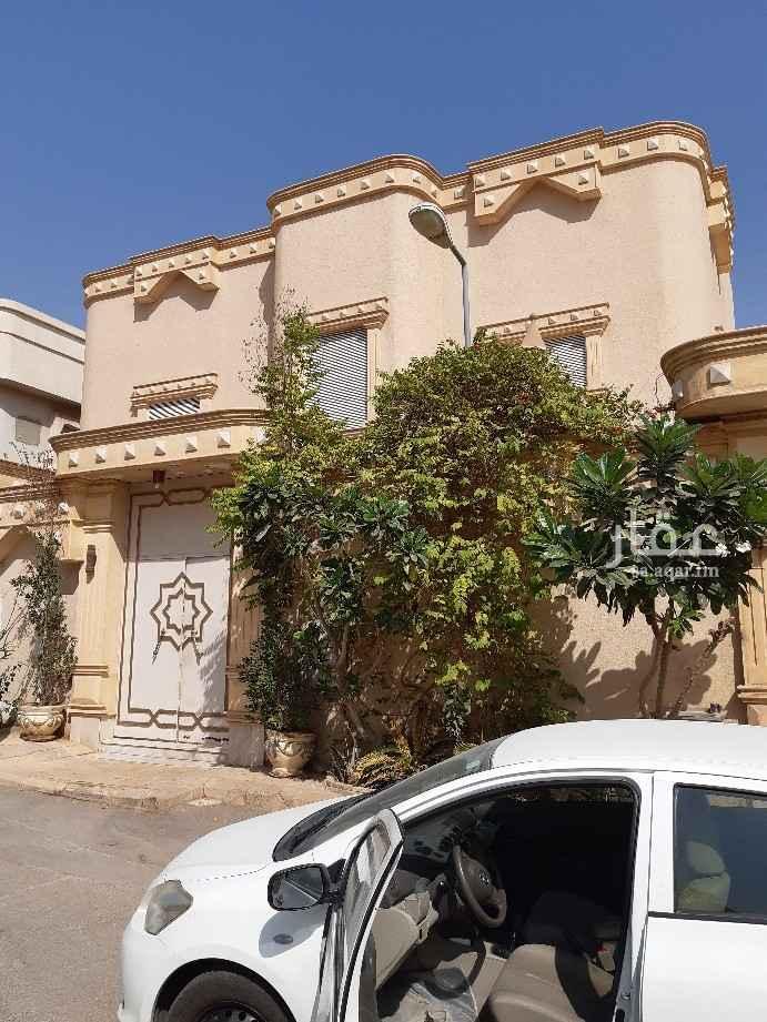 فيلا للبيع في شارع صفوان ، حي الملك فهد ، الرياض
