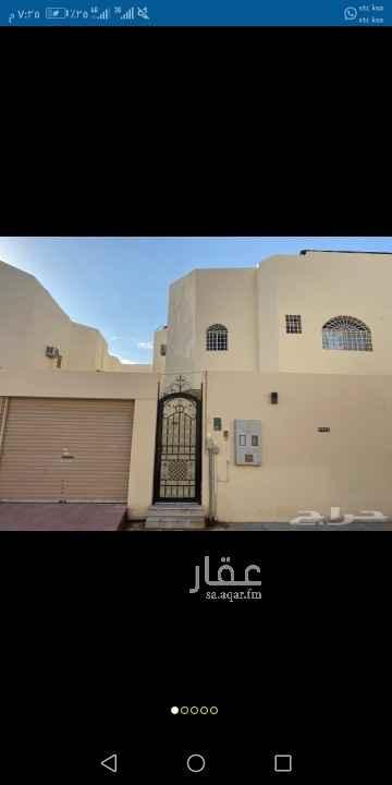 دور للإيجار في شارع المصياد ، حي الوادي ، الرياض