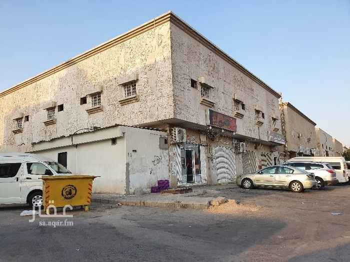 عمارة للبيع في شارع نهاوند ، حي العزيزية ، الرياض