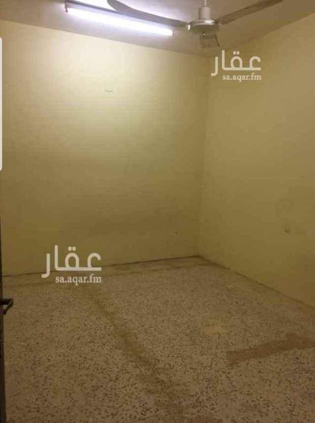 عمارة للإيجار في شارع ثابت بن حزم ، حي ام الحمام الشرقي ، الرياض