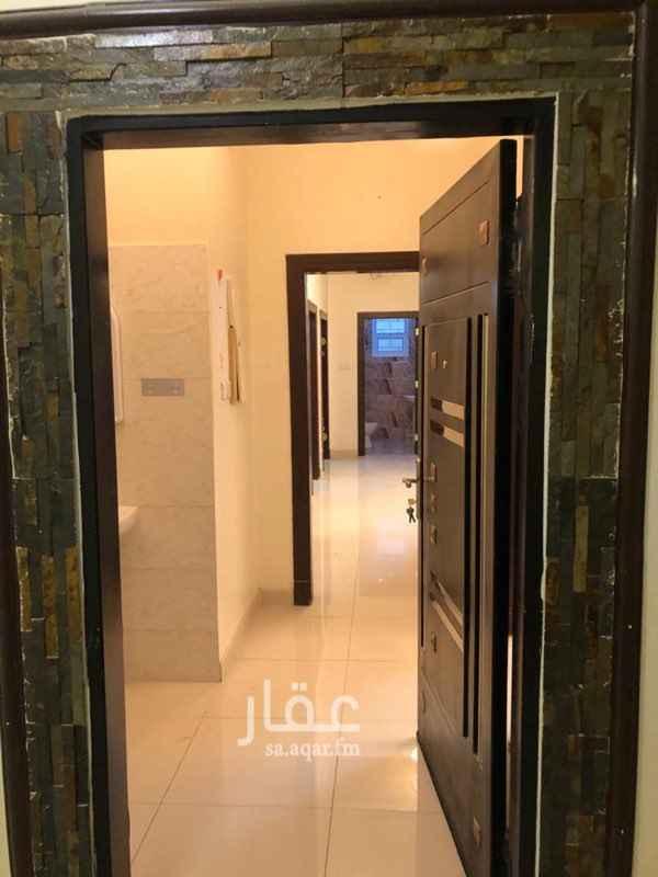 شقة للإيجار في شارع الفرسان ، حي عكاظ ، الرياض