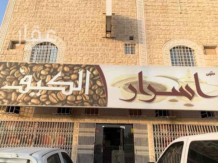 محل للإيجار في شارع السلطان قابوس بن سعيد ، حي المعيزيلة ، الرياض