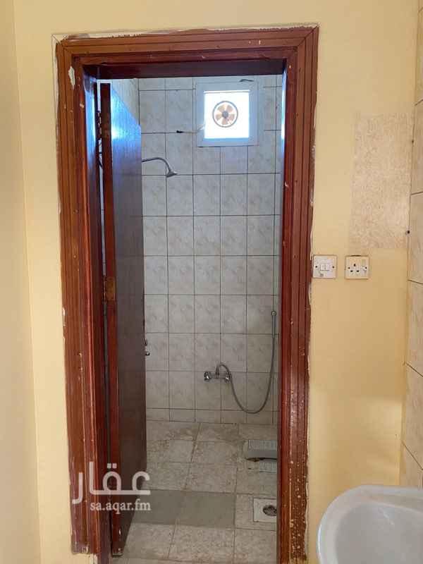 شقة للإيجار في شارع محمد الحباك ، حي العزيزية ، الرياض ، الرياض