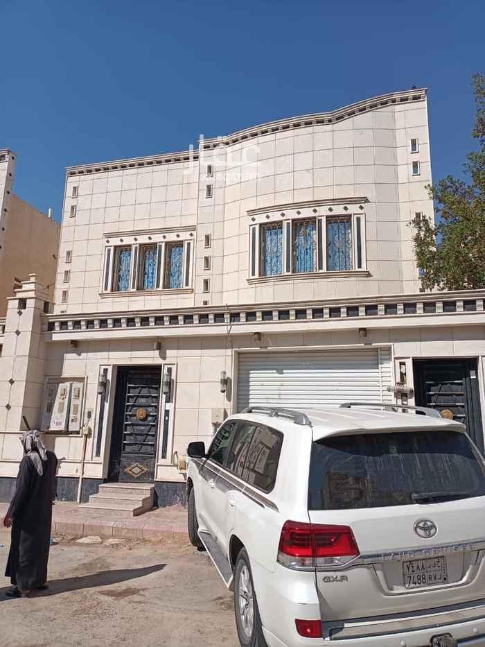 فيلا للبيع في شارع عدي الخطمي ، حي المنصورة ، الرياض ، الرياض