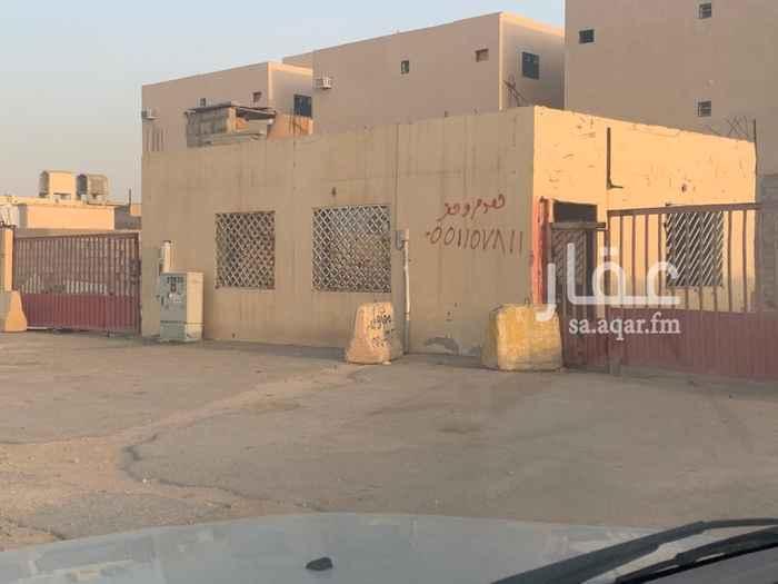 أرض للإيجار في شارع نجم الدين الأيوبي الفرعي ، حي طويق ، الرياض ، الرياض