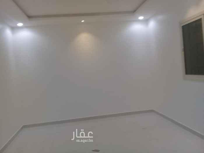 دور للإيجار في شارع عبدالله المويس ، حي الرمال ، الرياض