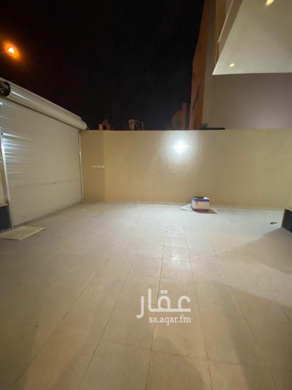 دور للإيجار في شارع محمد الجمدي ، حي عكاظ ، الرياض