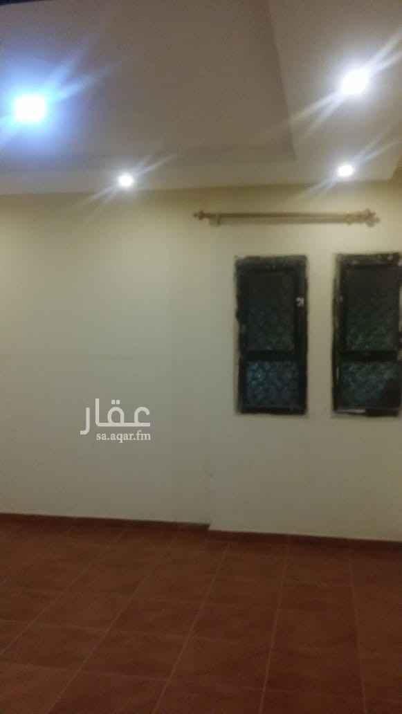 شقة للإيجار في شارع ابي سعيد الخدري ، حي الملك فيصل ، الرياض
