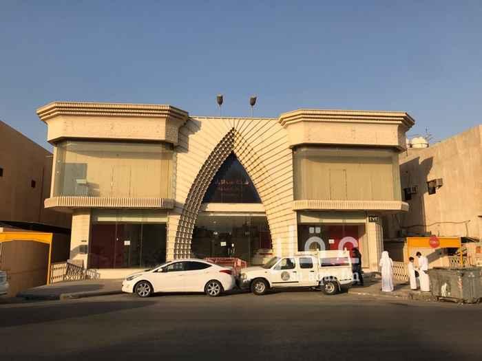 عمارة للإيجار في شارع خالد بن الوليد ، حي الملك فيصل ، الرياض