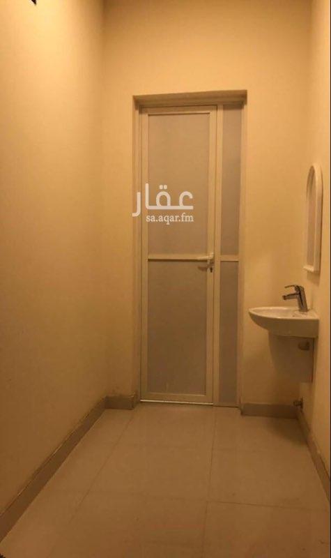 غرفة للإيجار في شارع السريحات ، حي القيروان ، الرياض