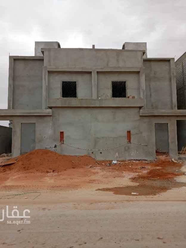 فيلا للبيع في شارع عبدالله المويس ، حي الرمال ، الرياض