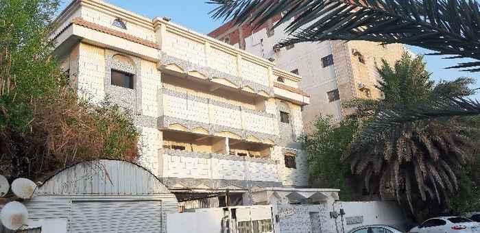 عمارة للبيع في شارع يعقوب بن صالح ، حي النزهة ، جدة