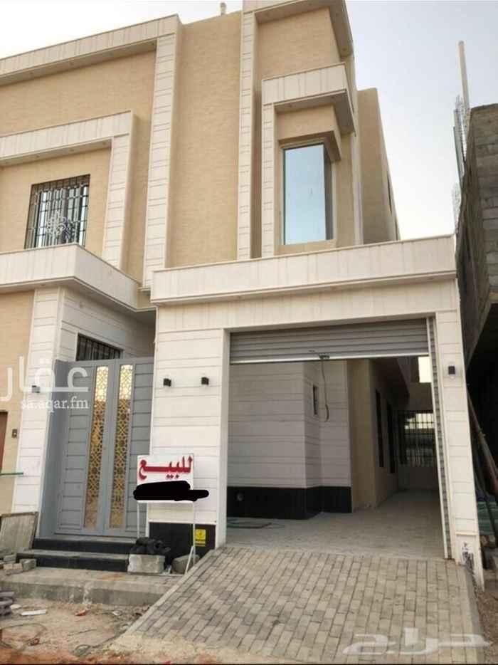 فيلا للبيع في شارع عبدالرحمن بن ابي حاتم ، حي الرمال ، الرياض ، الرياض