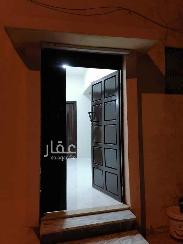 دور للإيجار في شارع نفيس بن هلال ، حي العريجاء الوسطى ، الرياض ، الرياض