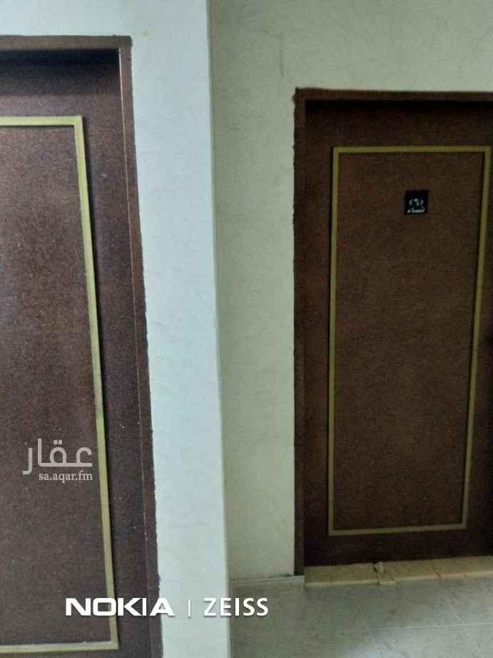شقة للإيجار في شارع النبراس ، حي ظهرة لبن ، الرياض