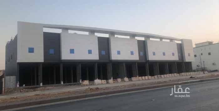 عمارة للإيجار في شارع احمد بن الخطاب ، الرياض