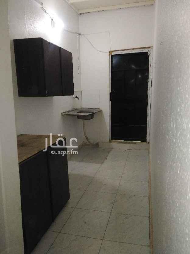 شقة للإيجار في شارع عائشة بنت أبي بكر ، حي العريجاء الوسطى ، الرياض ، الرياض