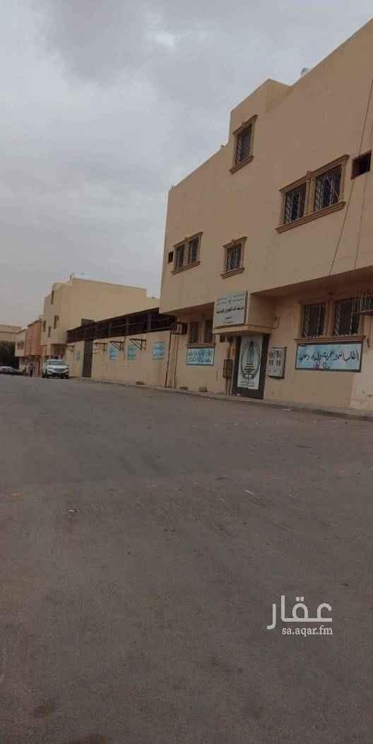 عمارة للإيجار في شارع القاسم بن وهب ، حي اليمامة ، الرياض