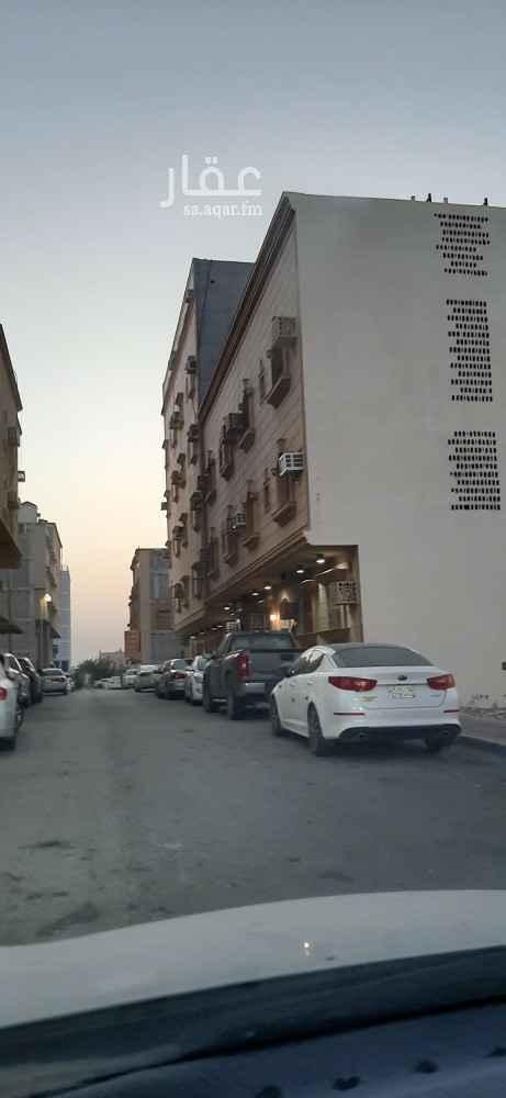 عمارة للبيع في طريق خادم الحرمين الشريفين ، حي الثقبة ، الخبر ، الخبر