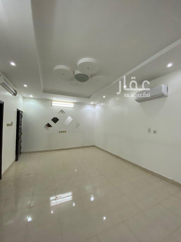 فيلا للإيجار في شارع هضبة النجد ، حي ظهرة البديعة ، الرياض ، الرياض