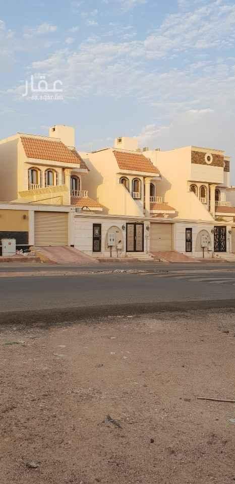 فيلا للبيع في شارع ابراهيم بن العباس ، حي مهزور ، المدينة المنورة ، المدينة المنورة