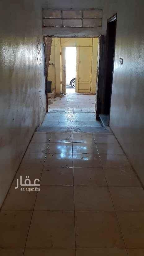 شقة للإيجار في شارع عائشة بنت أبي بكر ، حي ظهرة البديعة ، الرياض ، الرياض