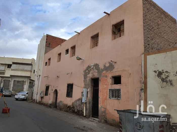 بيت للبيع في شارع عبدالرحمن بن معاوية المدني ، حي العنابس ، المدينة المنورة ، المدينة المنورة