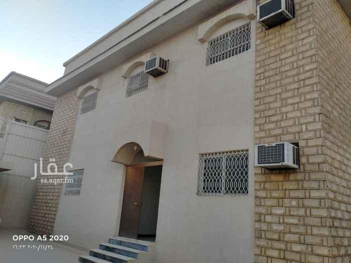 فيلا للبيع في شارع مالك بن حمزة ، حي ظهرة البديعة ، الرياض ، الرياض