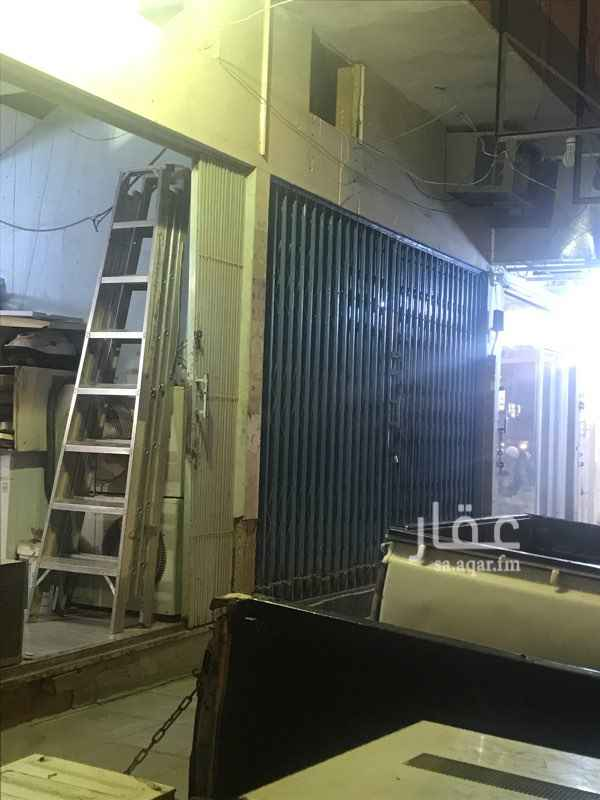 محل للإيجار في شارع الامام ابي حنيفة ، حي العريجاء الغربية ، الرياض