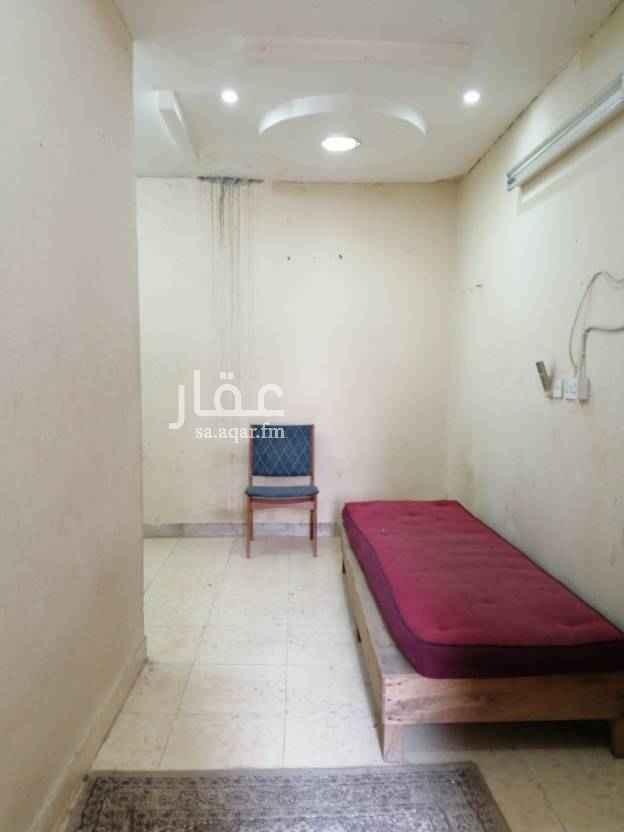 غرفة للإيجار في شارع عثمان بن عيسى ، حي الازدهار ، الرياض