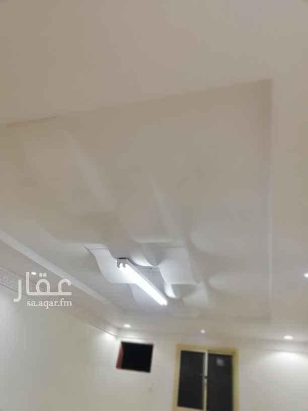 شقة للإيجار في شارع لاهور ، حي ظهرة لبن ، الرياض