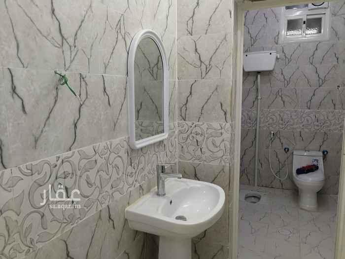 شقة للإيجار في حي البصرة ، محايل