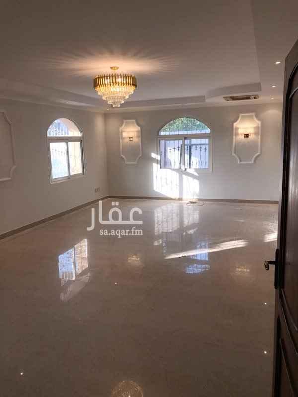فيلا للإيجار في شارع سعد بن أبي وقاص ، حي الدوحة الجنوبية ، الظهران ، الدمام
