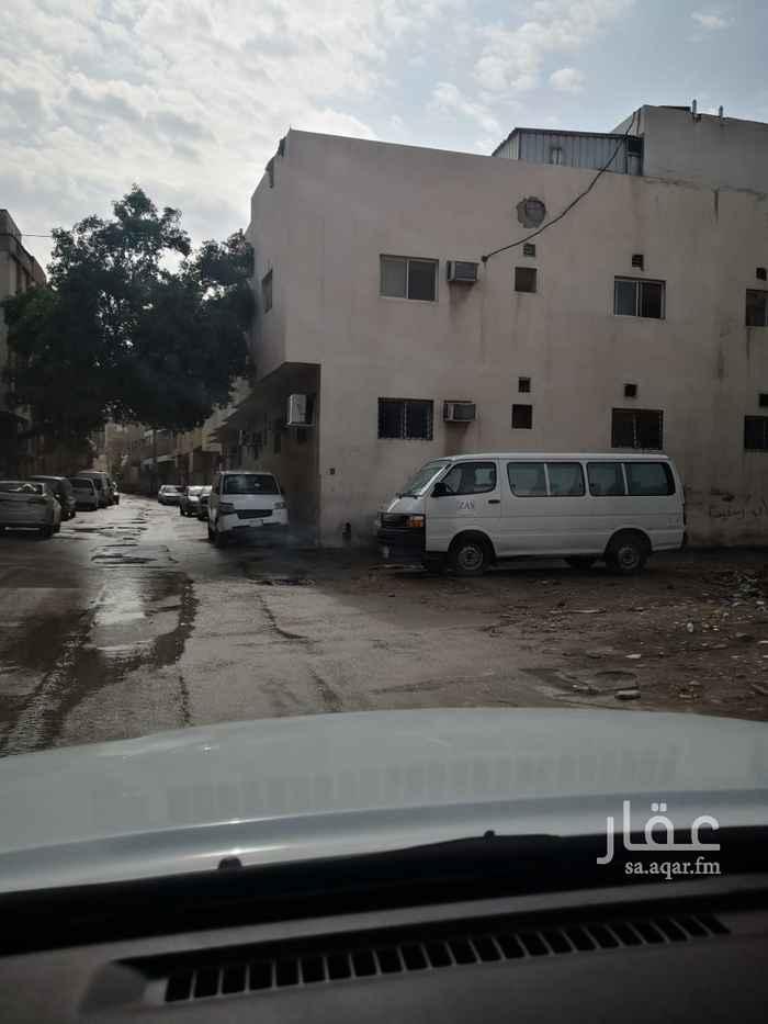 عمارة للبيع في شارع محمد الشبل ، حي ثليم ، الرياض ، الرياض