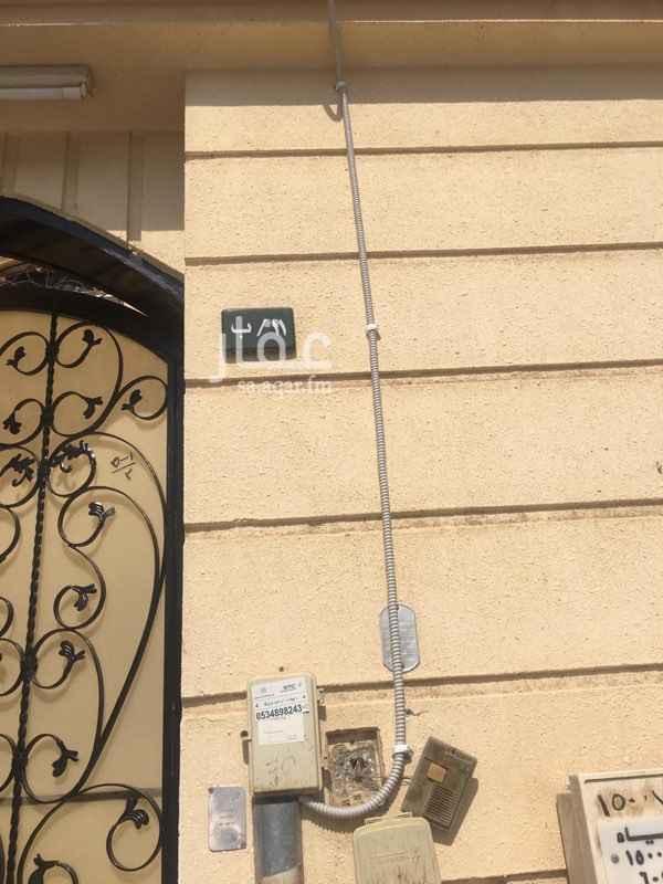 دور للإيجار في شارع الحنفي ، حي اشبيلية ، الرياض