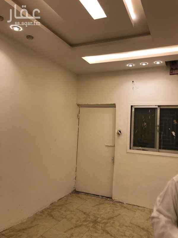 دور للإيجار في شارع زرارة بن اوفي ، حي الخليج ، الرياض