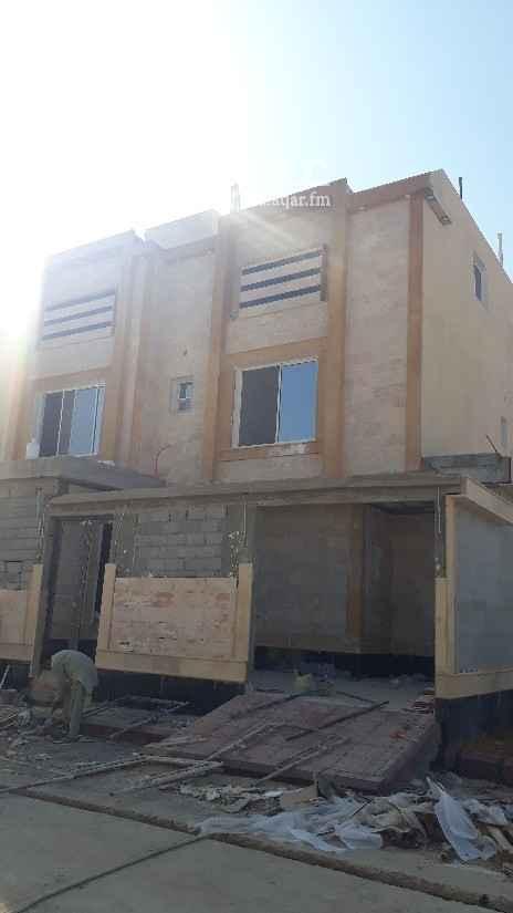 فيلا للبيع في شارع أبي القاسم الأنصاري ، الرياض