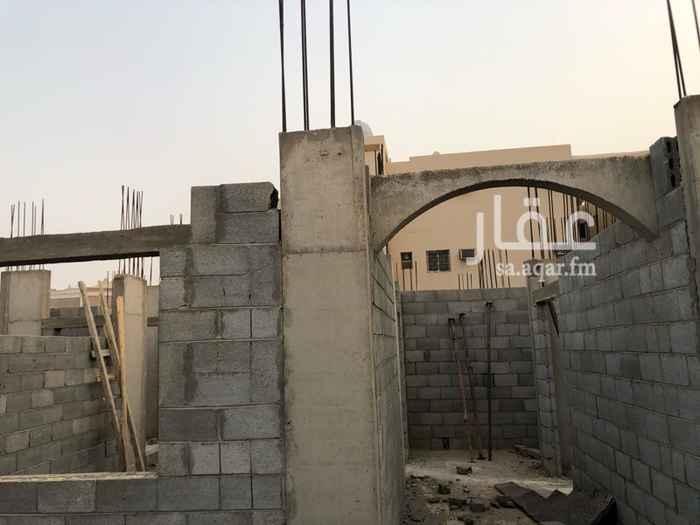 أرض للبيع في شارع عامر بن محمد ، حي العزيزية ، الرياض