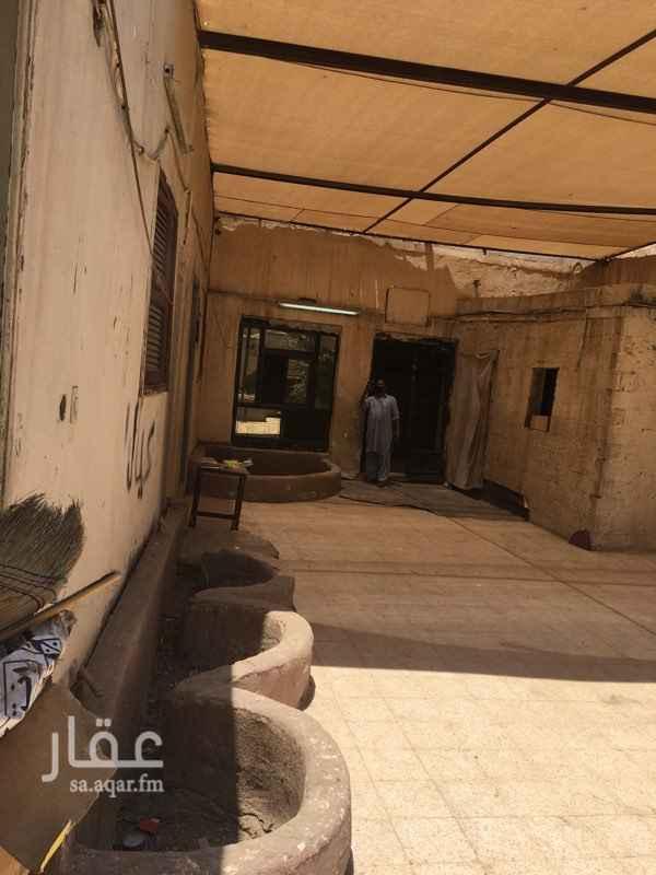 مستودع للإيجار في شارع الوليد بن عمرو بن سالم ، حي بني ظفر ، المدينة المنورة ، المدينة المنورة