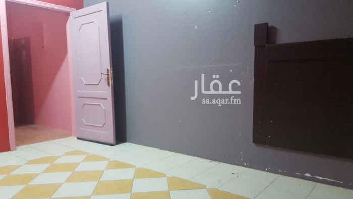 شقة للإيجار في شارع عبدالله بن عباس ، حي الروابي ، الرياض