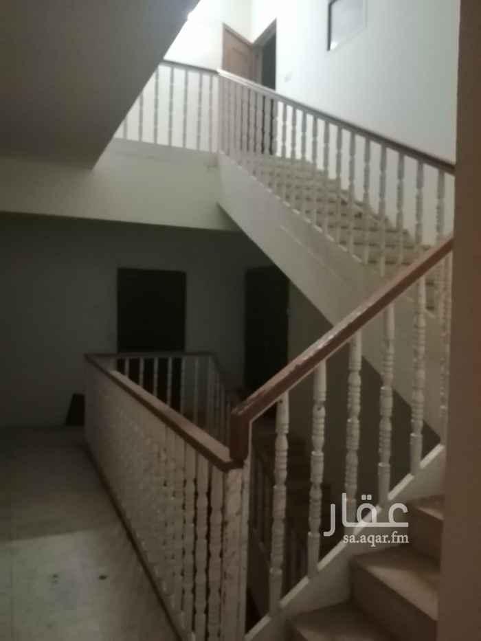 شقة للإيجار في شارع حاتم الطائي ، حي الروضة ، الرياض ، الرياض