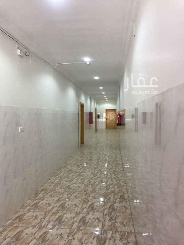 شقة للإيجار في طريق الرياض القديم ، حي الملك ، بريدة