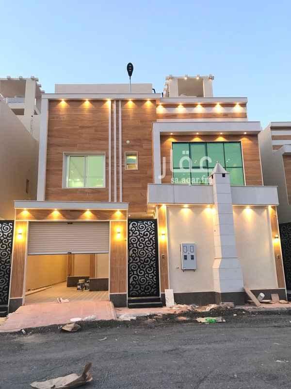 فيلا للبيع في شارع عبدالملك بن العباس ، حي المهدية ، الرياض ، الرياض
