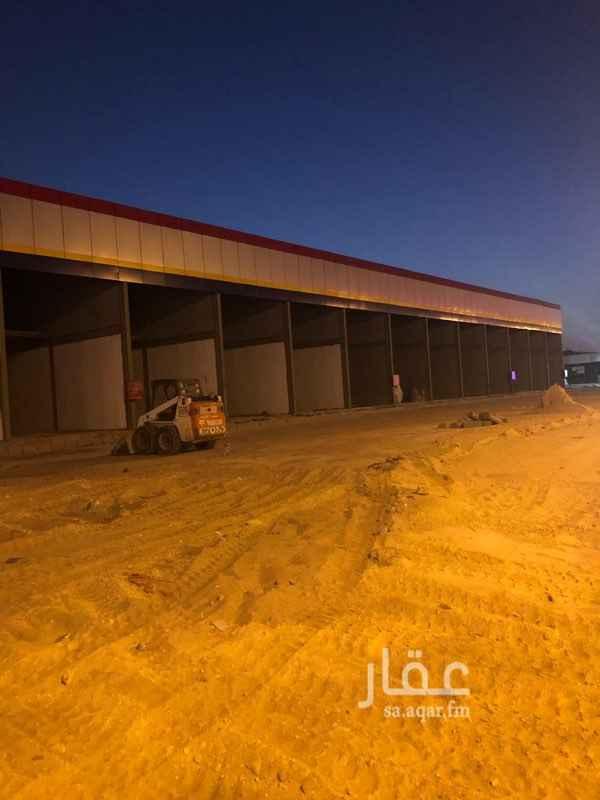 محل للإيجار في شارع مكة المكرمة ، حي صناعية الثقبة ، الخبر
