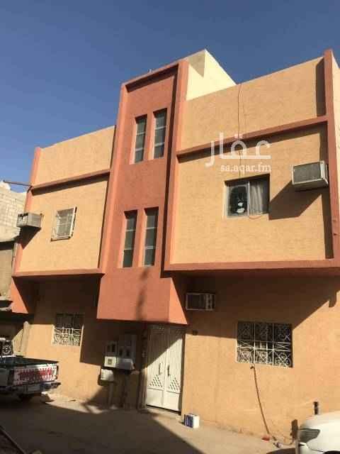عمارة للبيع في شارع زياد الحارثي ، حي منفوحة ، الرياض