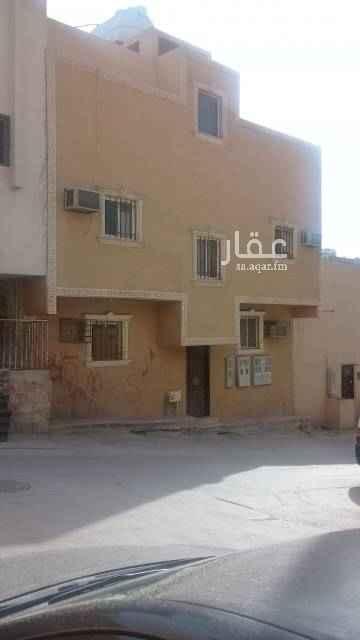 عمارة للبيع في شارع الرهوين ، حي منفوحة الجديدة ، الرياض