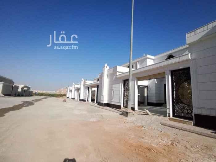بيت للبيع في شارع أبي بكر بن عثمان ، حي عكاظ ، الرياض ، الرياض