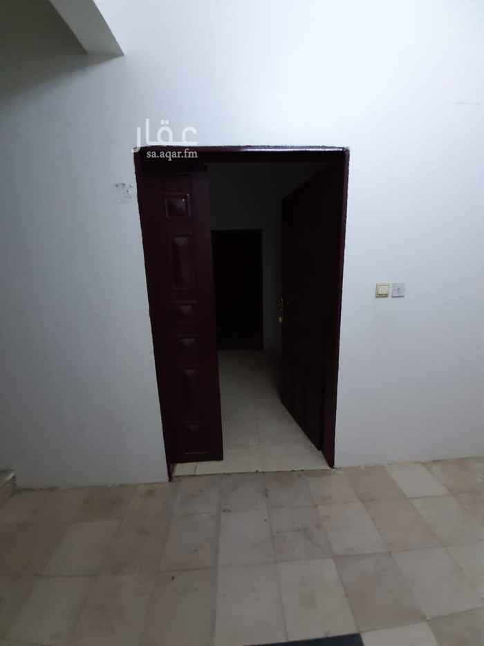 شقة للإيجار في شارع حبيبة ينت ابي سفيان ، حي العريجاء الغربية ، الرياض ، الرياض