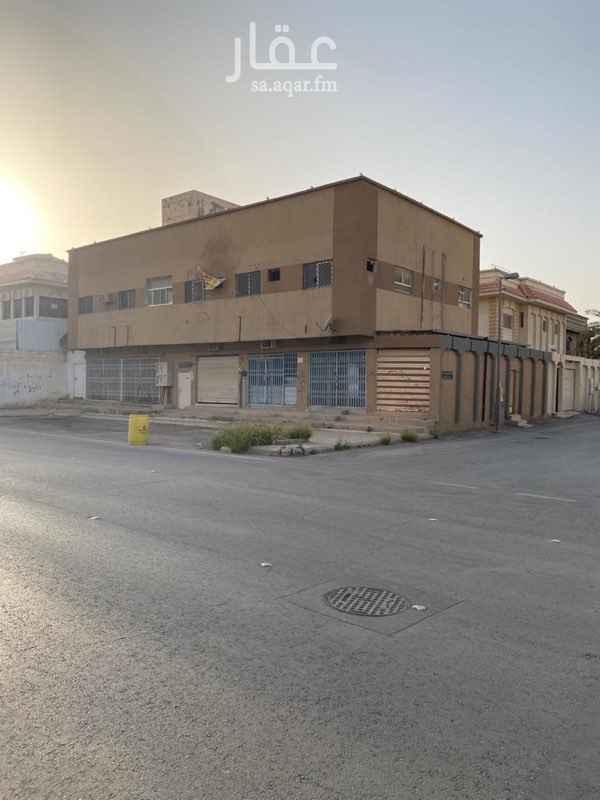 عمارة للبيع في شارع حسين ال الشيخ ، حي السويدي ، الرياض