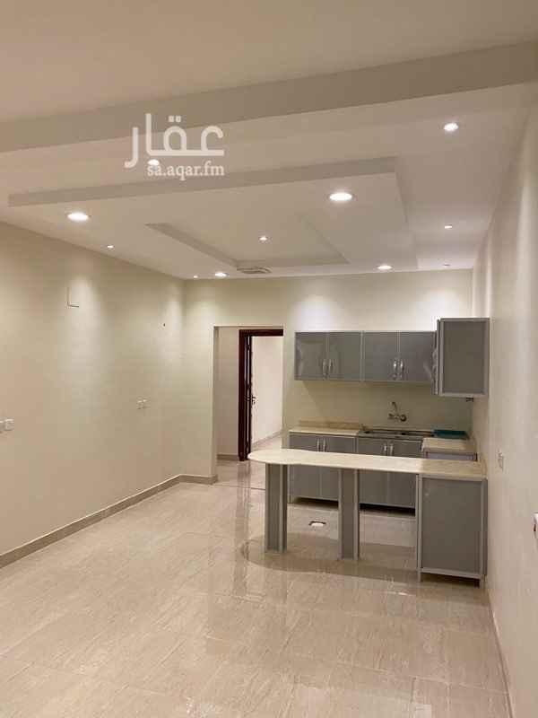دور للإيجار في شارع سعود بن عبدالله جلوي ، حي النرجس ، الرياض